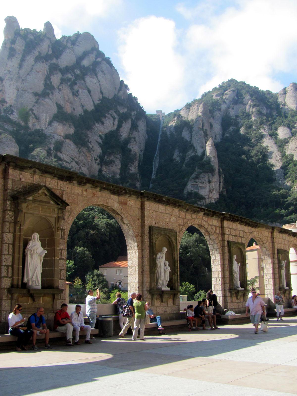 Plaza de Santa Maria, Montserrat  this bird flies